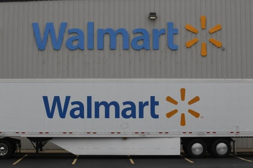 Why Walmart, The World's Largest Retailer, Isn't Accepting Apple Pay