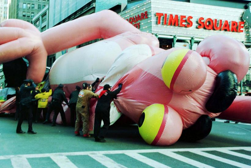 Macys Thanksgiving Day Parade Facts History Balloons Accidents And Other Things You Should Know