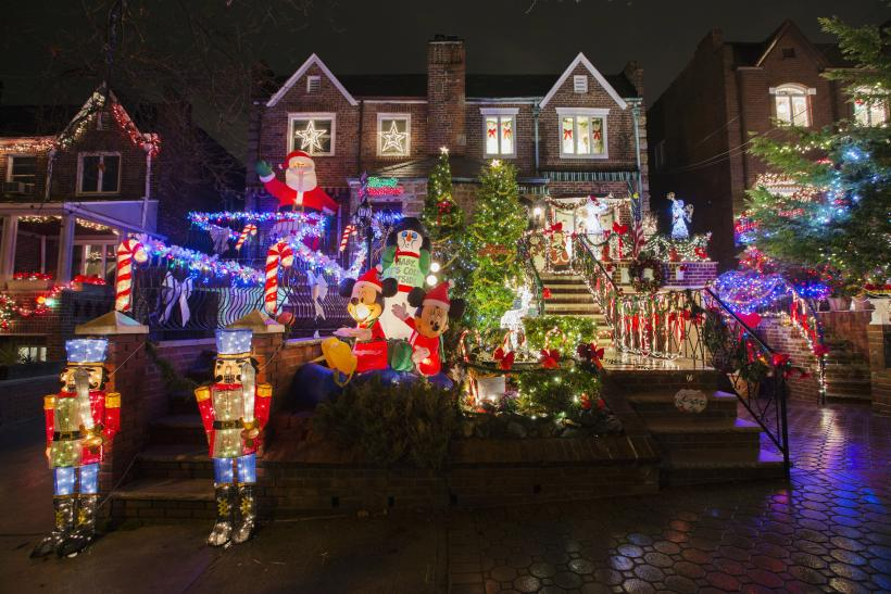 How To Hang Christmas Lights 2014 Step By Step Guide To