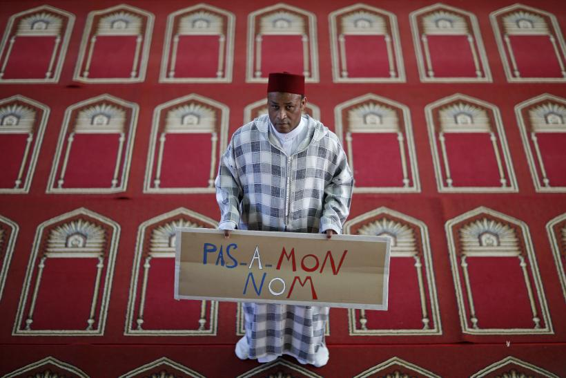 FrenchMosque_Protest