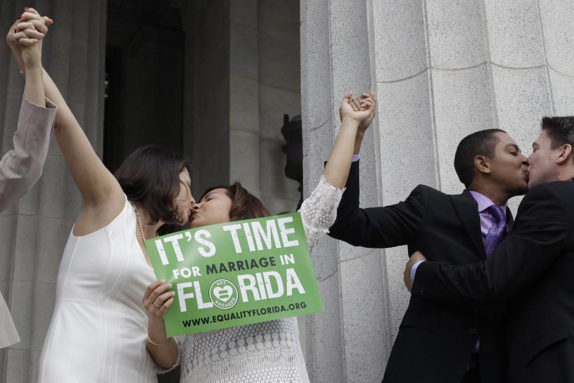 2015-01-06T130910Z_1212936493_TM3EB151LZT01_RTRMADP_3_USA-FLORIDA-GAYMARRIAGE