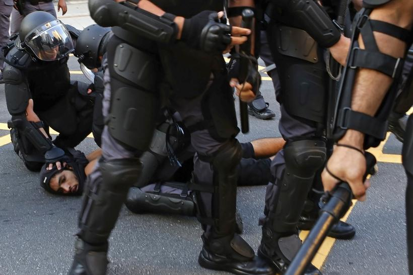 Brazilian police guy on action