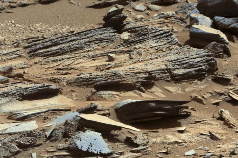 Mars-surface-rocks