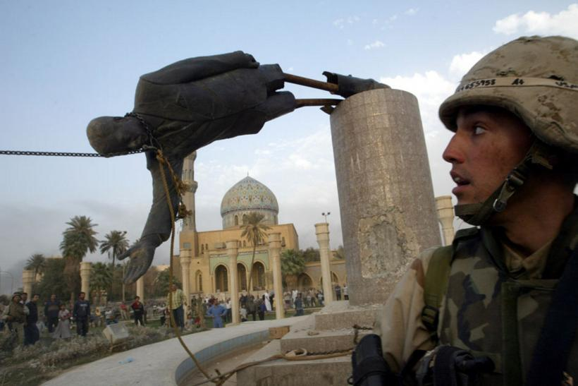 US army Saddam statue