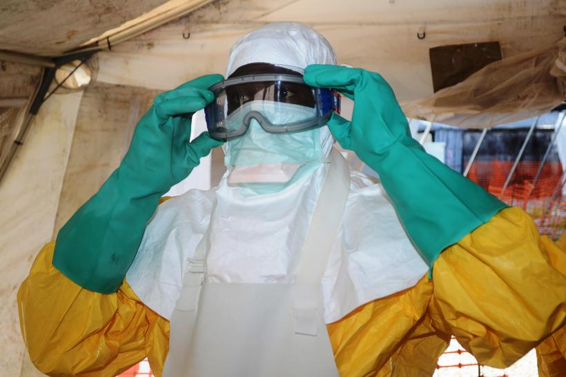 US Aid workers evacuated over Ebola fears