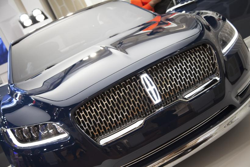 Lincoln Continental Concept What It\u0027s Like To Sit In The Back Seat Of Ford\u0027s Planned Luxo-Barge & Lincoln Continental Concept: What It\u0027s Like To Sit In The Back ... islam-shia.org