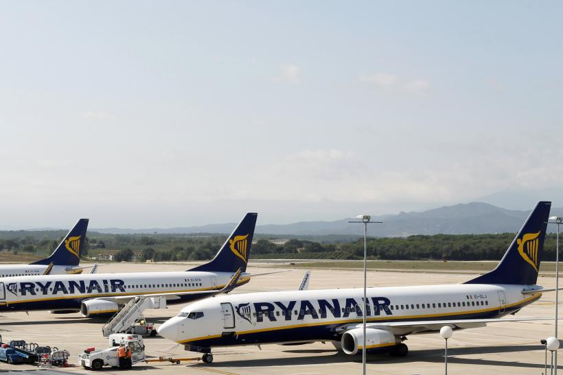 Two Ryanair Passenger Planes Collide On Dublin Airport Runway No