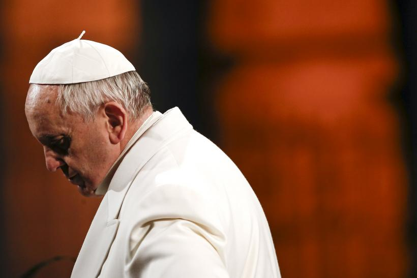 Pope condemns killing of Christians