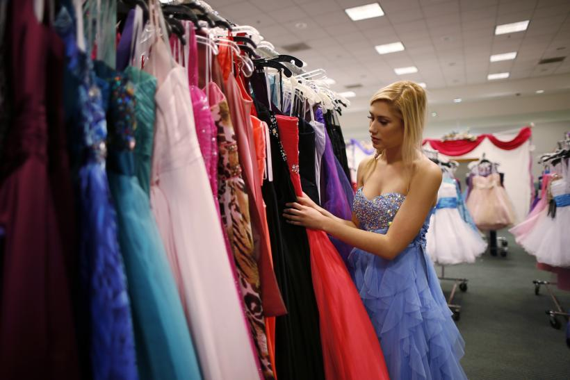 Cheap Prom Dresses Under $100: What To Wear And How To Find A Formal ...