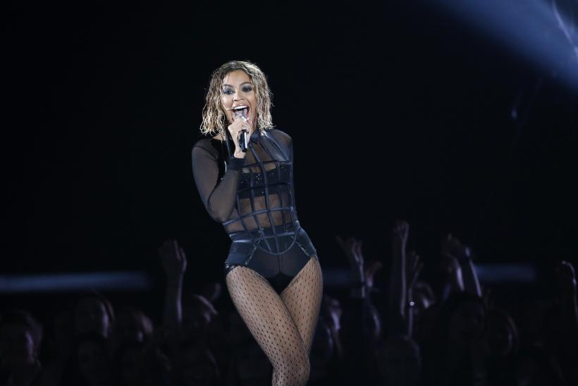 "[12:34] Beyonce performs ""Drunk In Love"" at the 56th annual Grammy Awards in Los Angeles"