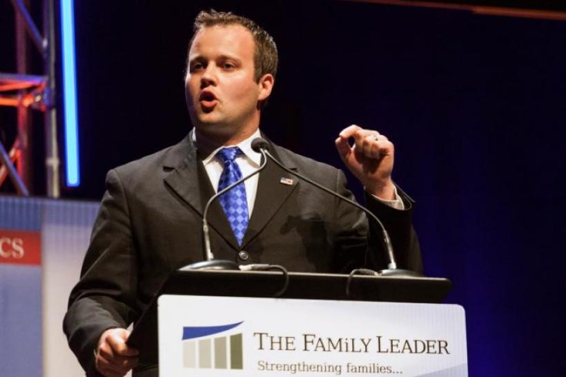 Josh Duggar 'Sex Scandal' News Update: Wife Anna Breaks Silence In Official  Statement; '19 Kids And Counting' Under Fire