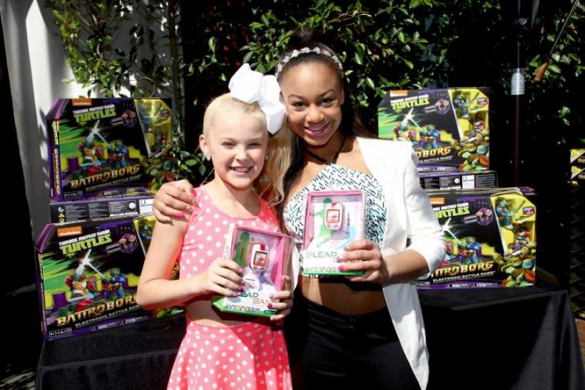 jojo siwa and nia frazier of dance moms