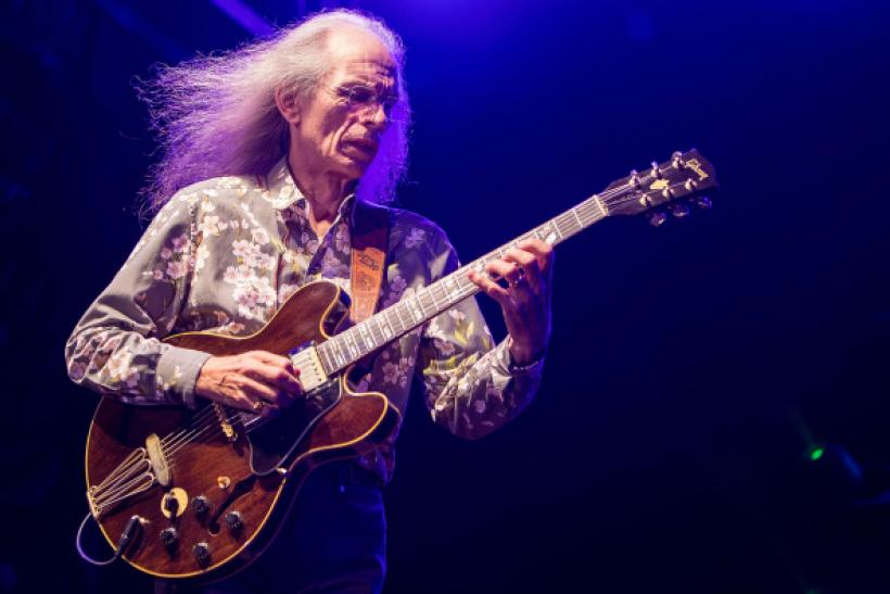 Steve Howe with Yes