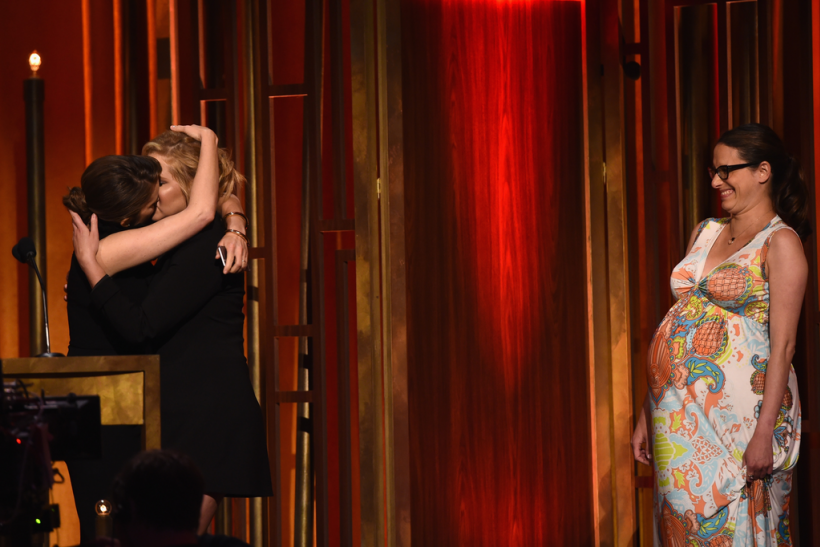 Tina Fey and Amy Schumer kiss