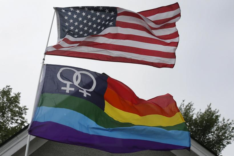 2015-06-27T085818Z_3_LYNXMPEB5P10P_RTROPTP_4_USA-COURT-GAYMARRIAGE