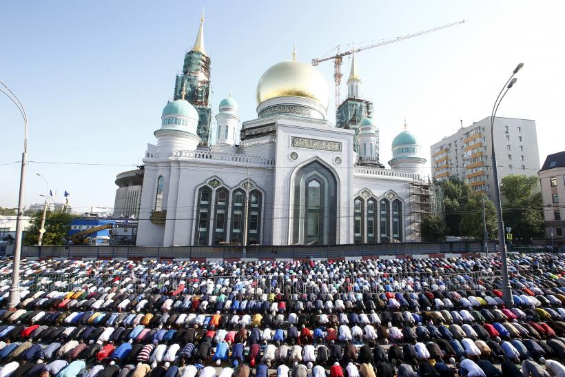 moscow is largest muslim city in europe but faithful face