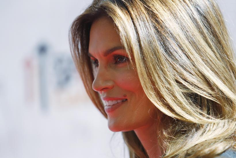 [08:34] Cindy Crawford poses at the 'Stand Up To Cancer' television event