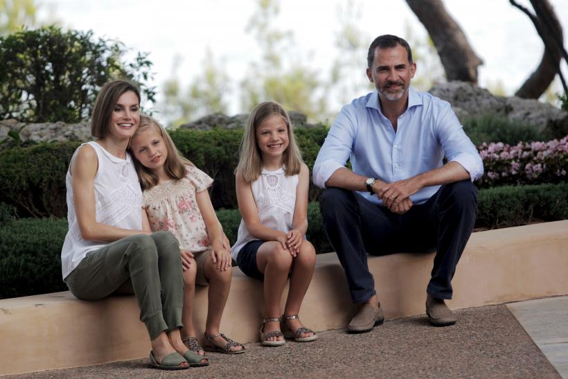 6979cd5e8754 Queen Letizia of Spain Wears Same Shirt As Daughter Princess Sofia ...