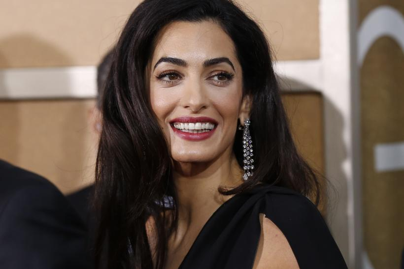 [11:08] Amal Clooney arrives at the 72nd Golden Globe Awards