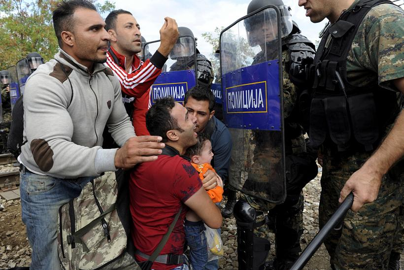 Macedonian police at the border with Greece