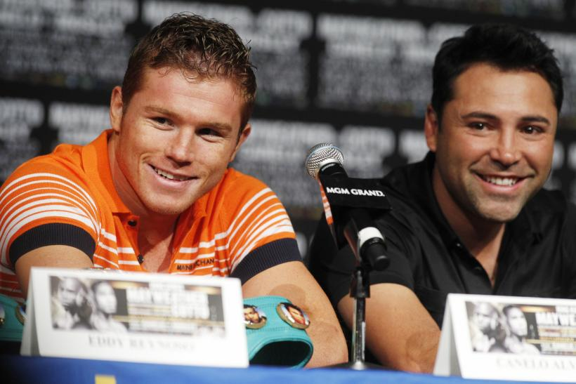 Alvarez and De La Hoya in 2012