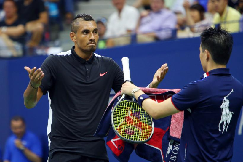 Kyrgios reacts in the match vs. Murray