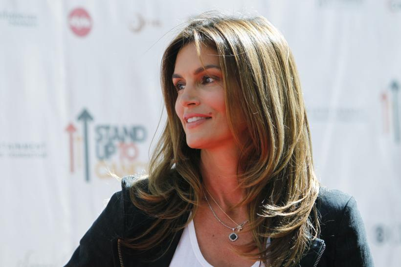 Cindy Crawford Says Unretouched Photo Made Her Feel Conflicted