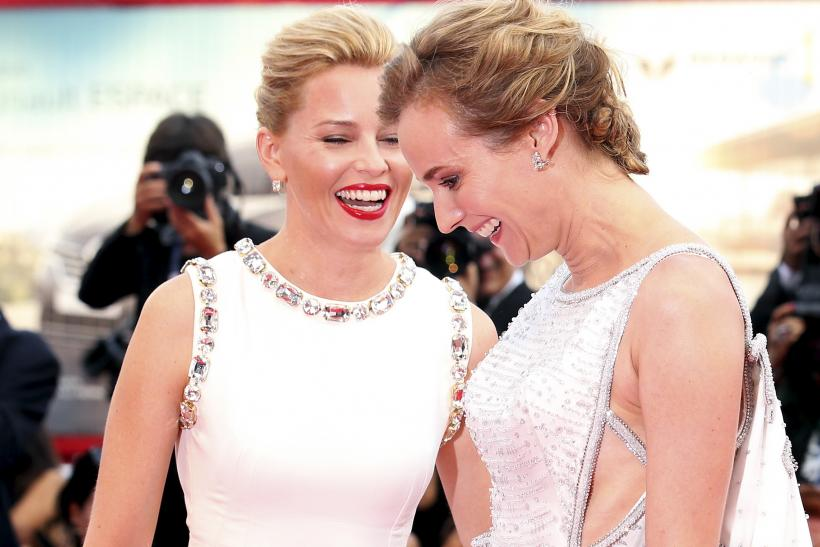 [13:11] Members of the jury German actress Diane Kruger (R) and American actress Elizabeth Banks