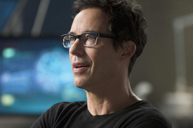 Harrison Wells Tom Cavanaugh Pictured Will Return As A Slightly Different Character In Season 2 Of The Flash Photo CW