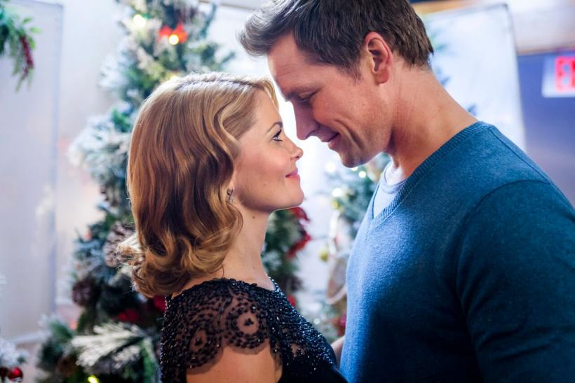 hallmark channel christmas movies 2015 november countdown to christmas premiere dates and trailers