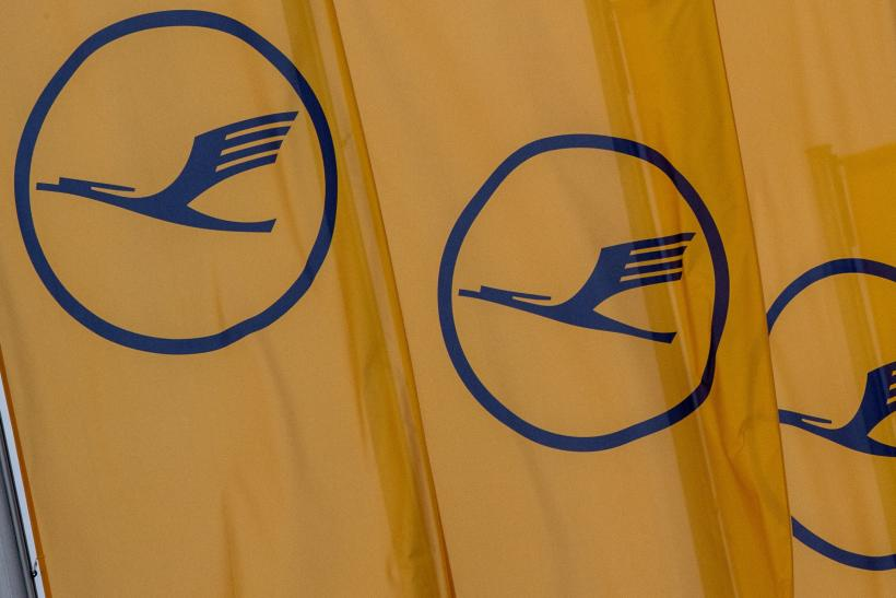 Lufthansa flights cancelled 900