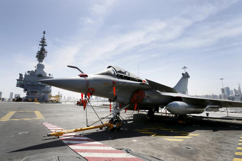 French aircraft stationary on the Charles de Gaulle aircraft carrier