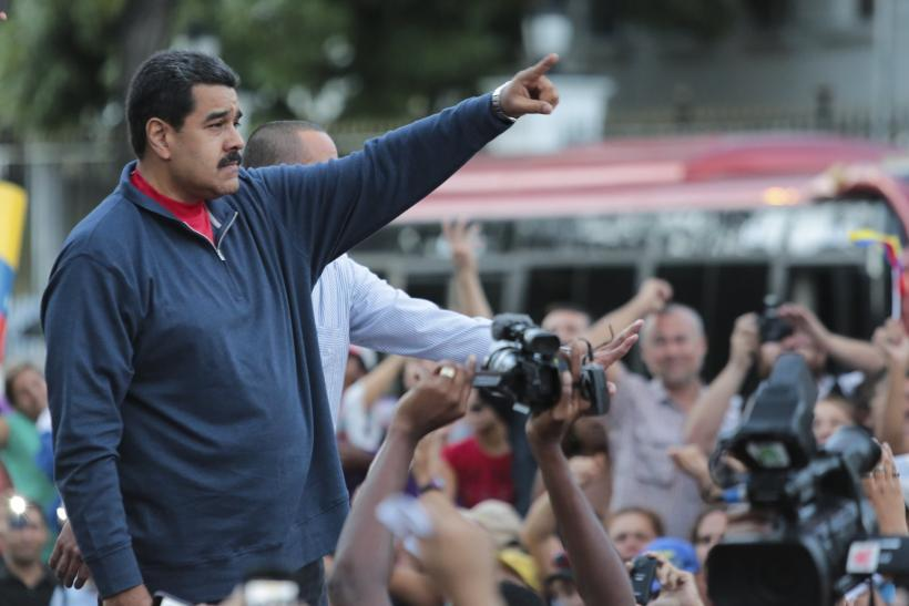 2015-12-12T192903Z_1_LYNXMPEBBB0CO_RTROPTP_4_VENEZUELA-ELECTION