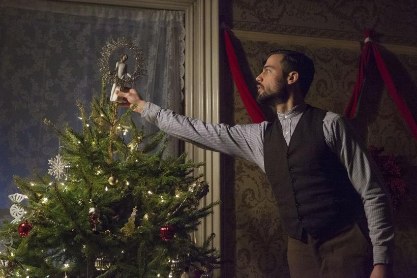lifetime christmas movie 2015 schedule december 14 26 lineup released when and where to watch holiday movies - When Is Christmas In 2015