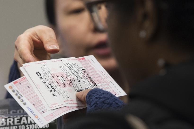 What Time Is The Powerball Drawing When To Watch When The Record Jackpot Will Be Drawn