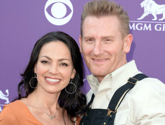 Joey Feek Growing Perilously Frail, Holding Out Hope for Spring