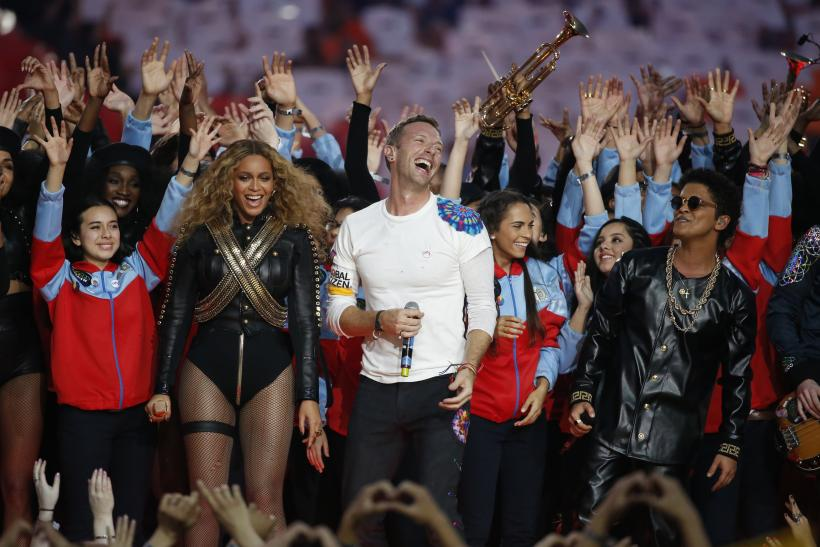Beyonce dazzles in diamonds at Super Bowl Halftime SHow