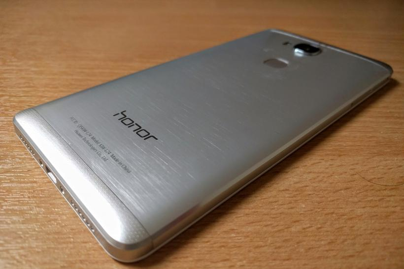 Honor 5X Review Design