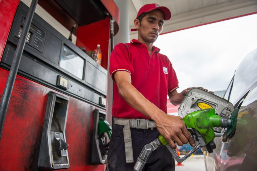 Hikes Economic 000 To Tackle Venezuela Crisis Devalues Prices 6 By Fuel Currency