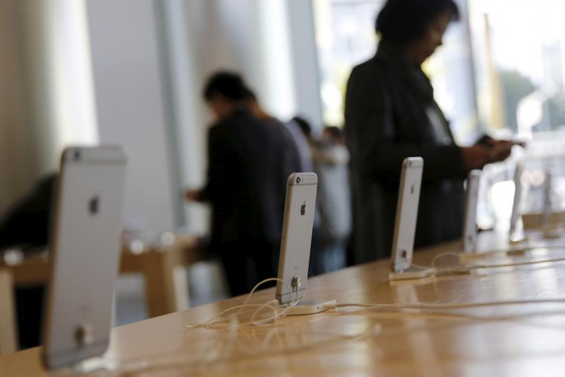 Apple Inc. Faces iPhone Slowdown In China While Losing Ground To Android In US