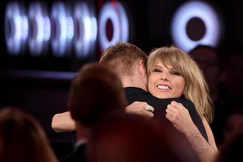 Taylor Swift Calvin Harris Photos Kissing latest