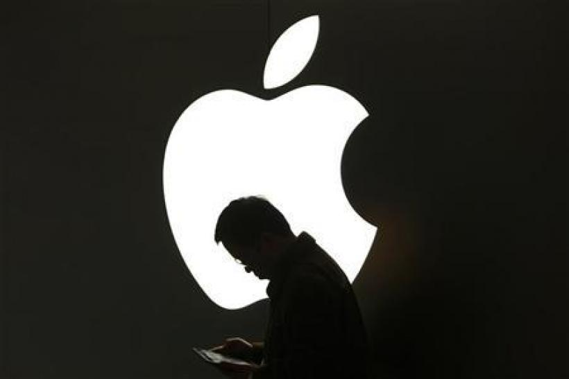 Apple (AAPL) share price tumbles