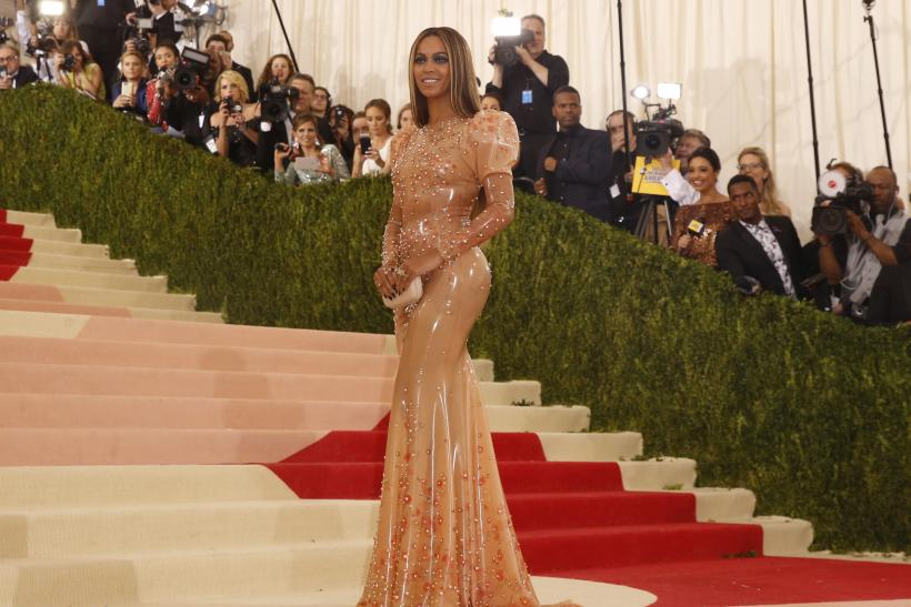 Singer-Songwriter Beyonce Knowles arrives at the Metropolitan Museum of Art Costume Institute Gala