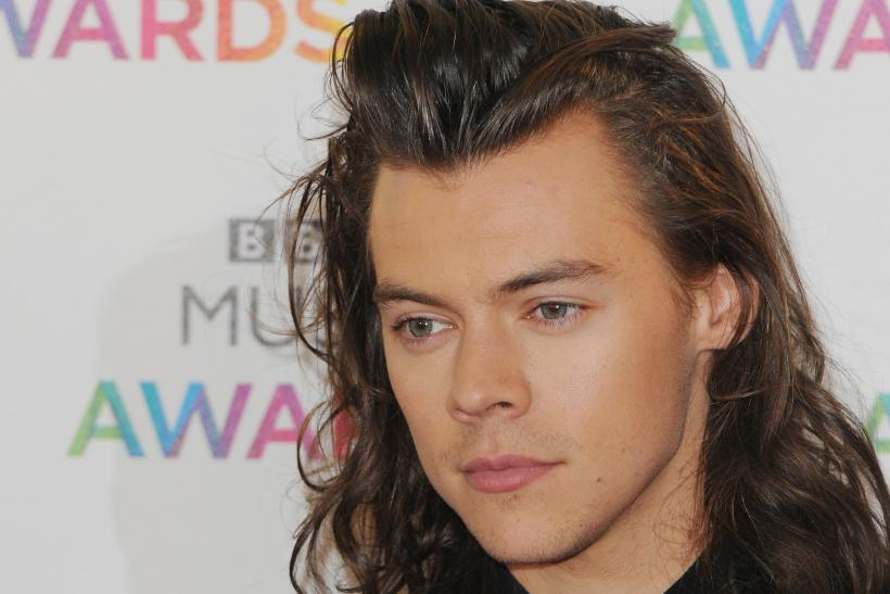 Harry Styles Short Hair Revealed See How The One Direction Singer Looks With His New Haircut Photos