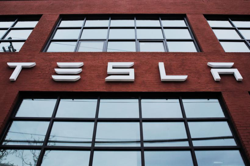 Tesla Says There Is No Safety Defect In Its Model S or X