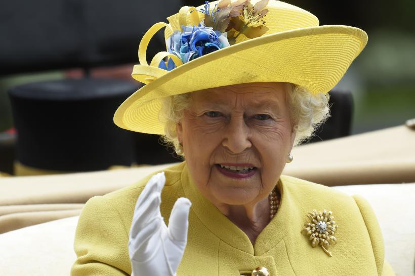 Queen Elizabeth thanks fans for messages on her 90th birthday