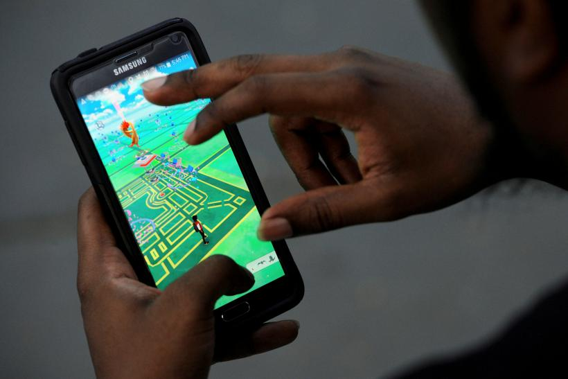 Man Plays Pokemon in NYC