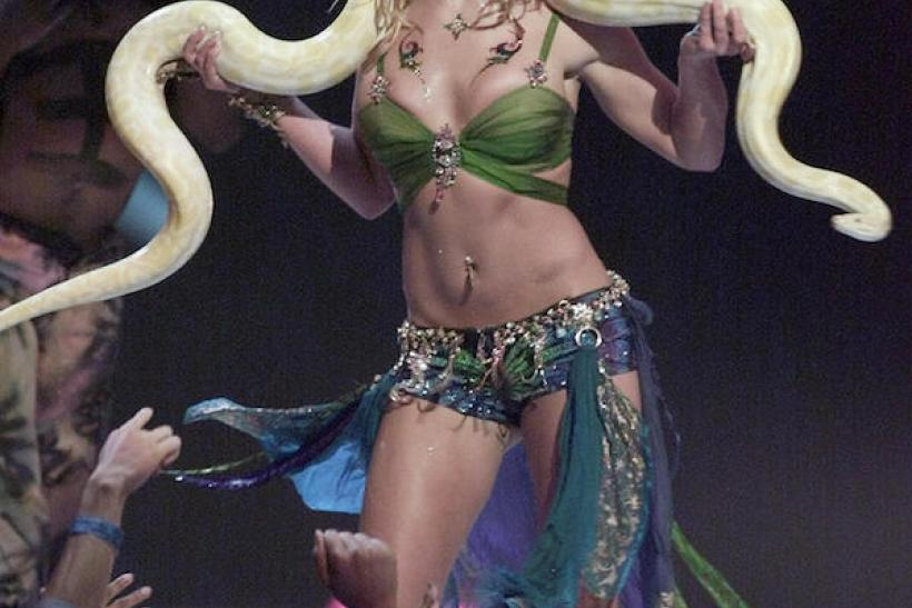 ... Back To 2001: A Scantily Clad Britney Performed With A Snake. The Following Year ...