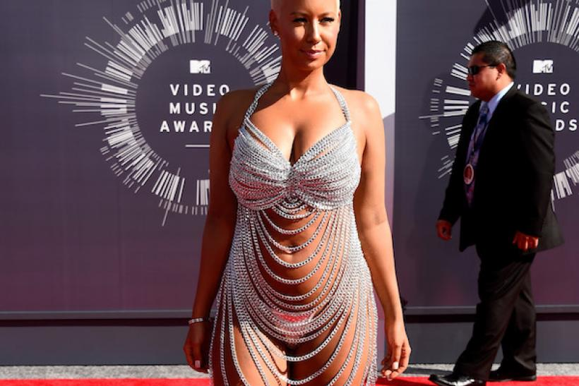 ... And Amber Rose In 2014 - Of Course There's A History Of This At The VMAs ...