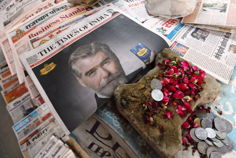 Twitterati celebrated Former James Bond star Pierce Brosnan who chews paan masala